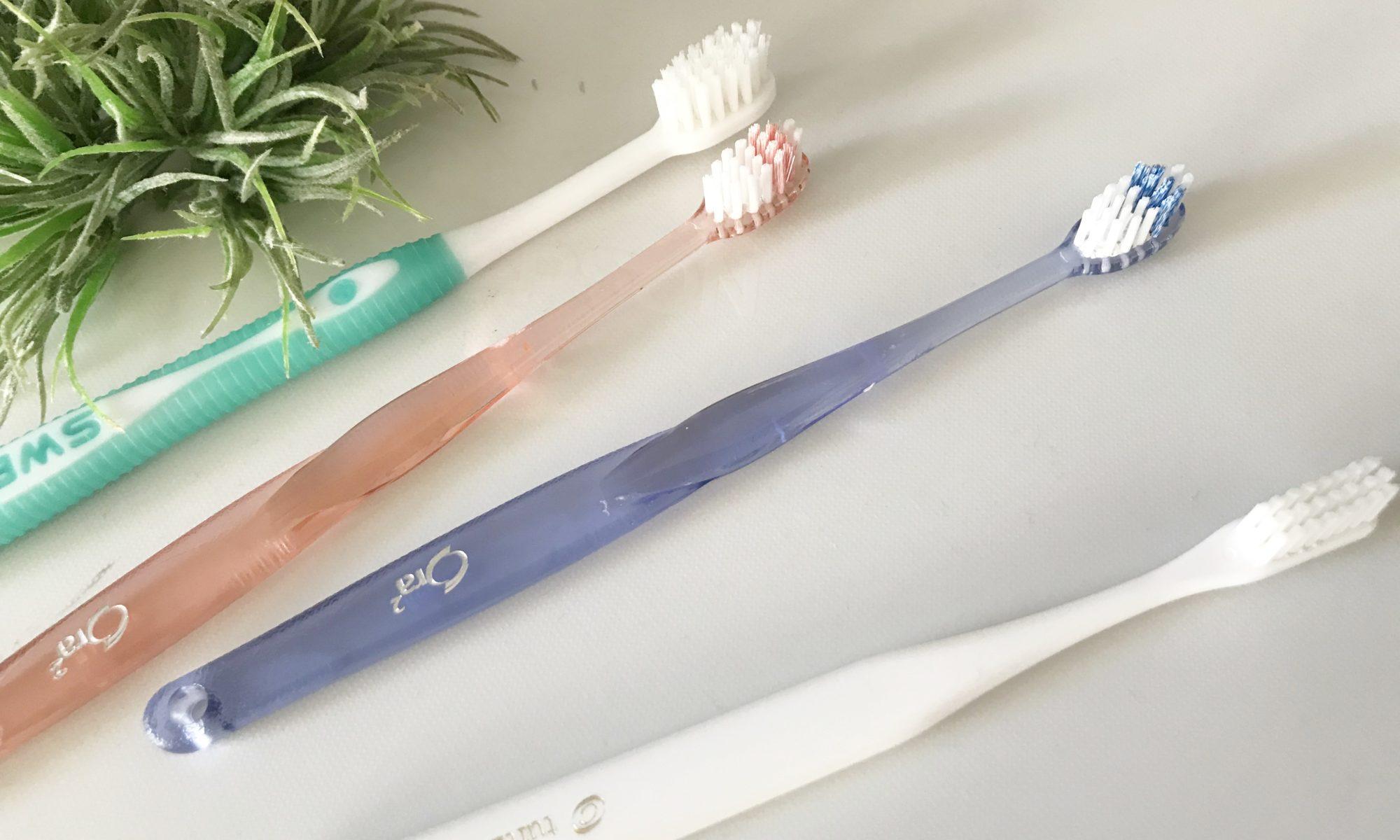 古い歯ブラシ